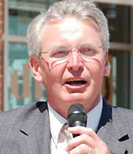 Mayor Bob Dixson